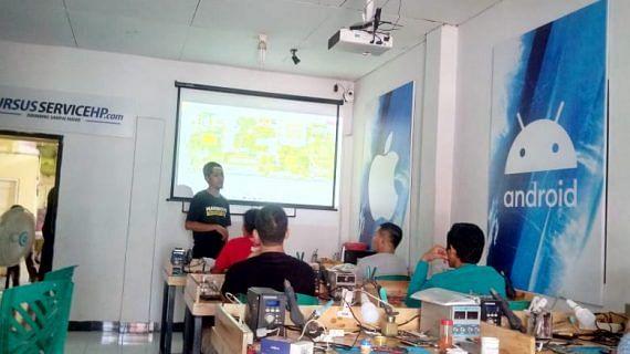 Proses Pembelajaran di Kursus Service HP Lasercom