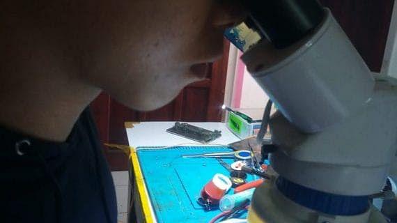 Peserta Kursus Yang Kini Menjadi Teknisi Handphone Handal di Lasercom